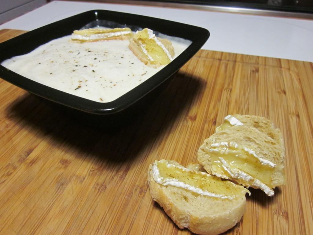 Crème d'ail et ses croustillantes tartines au cumin dans entrées img_3813-1024x768
