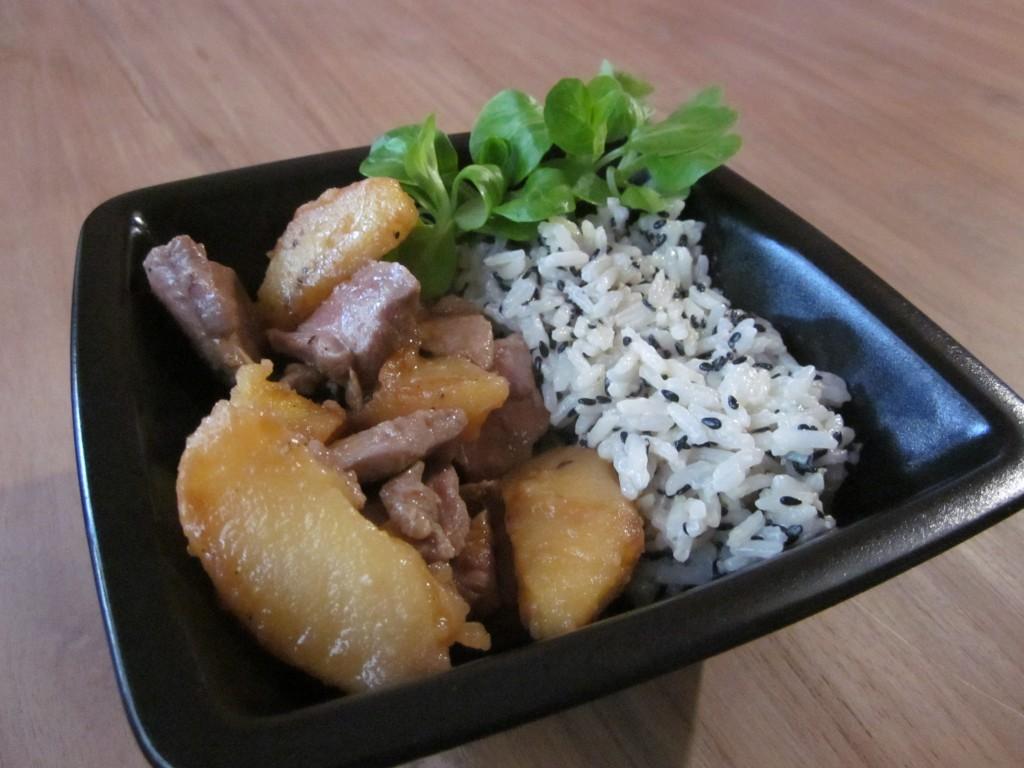Canard aux pommes, riz au bleu de Bavière dans plats img_3917-1024x768