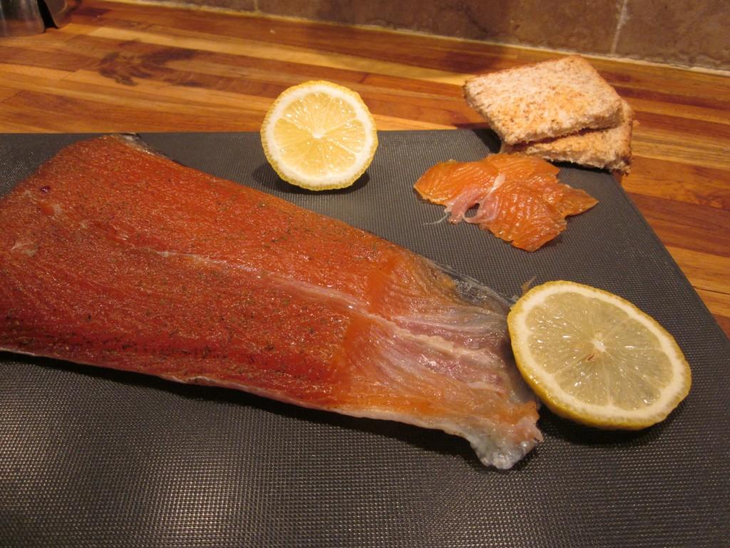 saumon gravlax dans entrées img_42062-1024x768