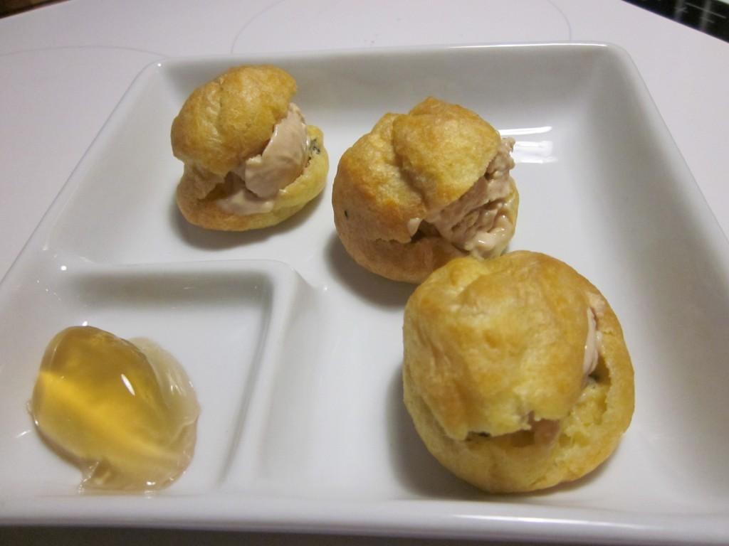 100ème article !! Profiteroles truffés au foie gras dans entrées img_4210-1024x768