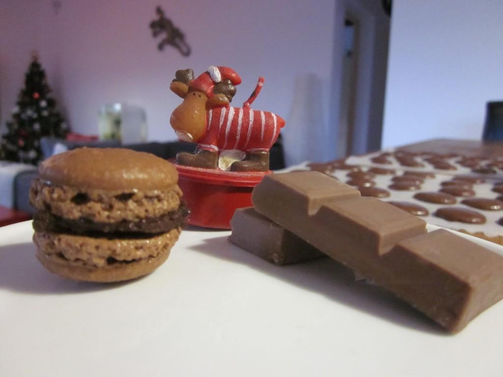 Macarons tout chocolat dans desserts img_4224-1024x768